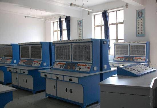 可进行相应参数的测量及三相拖动电路的实训.